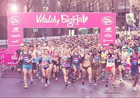 A view of the start as the elite runners lead the mass start. The Vitality Big Half, Sunday 4th March 2018. Photo: Joe Toth for The Vitality Big Half For further information: media@londonmarathonevents.co.uk